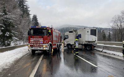 ++Verkehrsunfälle aufgrund winterlicher Bedingungen++