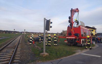 SRF Einsatz: PKW Bergung nach Verkehrsunfall in Hallersdorf