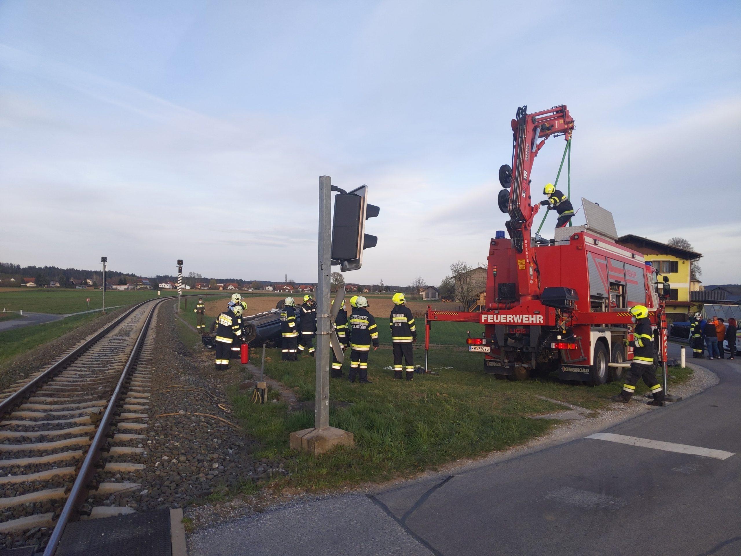 VekehrsunfalHallersdorf